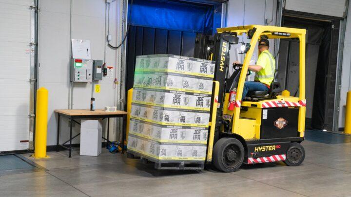 Tip til virksomheder med pladsmangel: Opbevaring med lager opbevaring